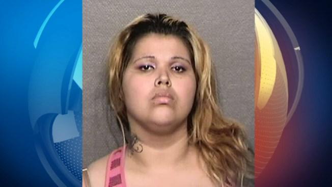 Arrestada madre que dejó bebé en motel