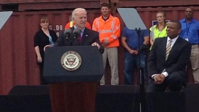 Biden visitó el Puerto de Houston