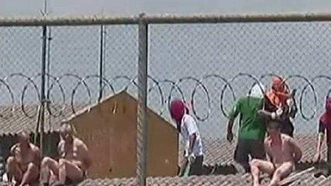Brasil: desnudan a rehenes en motín