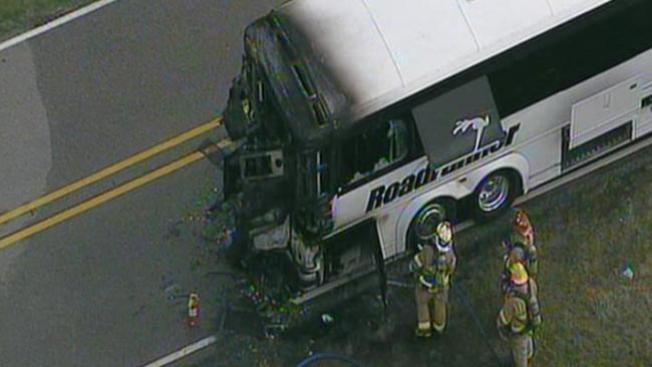 Se incendia bus que trasportaba estudiantes