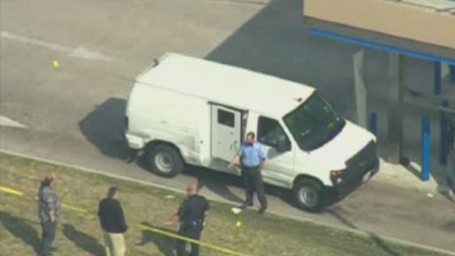 Arrestan 4 en asalto a camión de valores