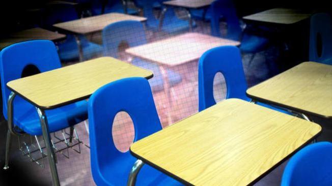 Revisan leyes de escuelas públicas