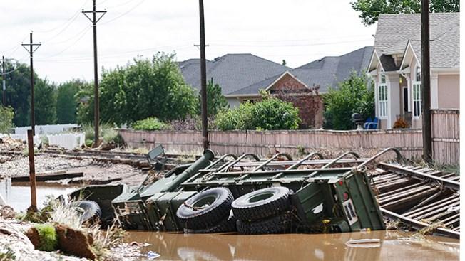 Rescatan a afectados en Colorado