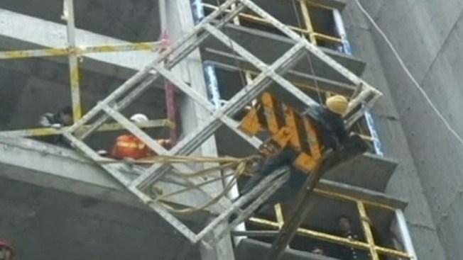 Trabajador queda al borde de la muerte