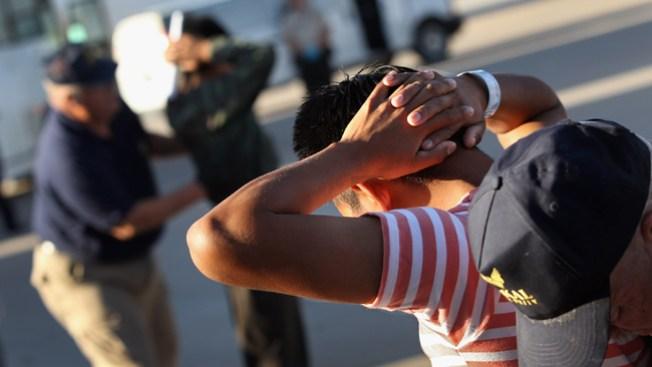 Corte: ICE no debe arrestar inmigrantes sin causa