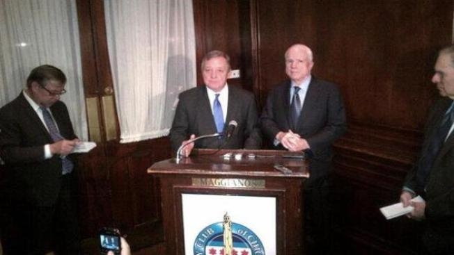 McCain: Reforma migratoria es clave