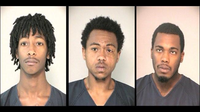 Cuatro arrestos por robos en Fort Bend
