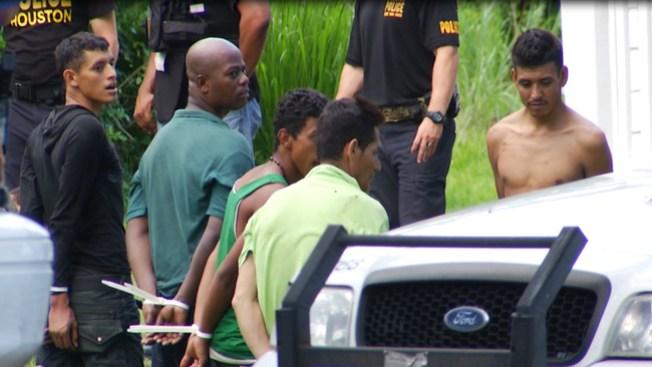 Redada deja 33 inmigrantes detenidos