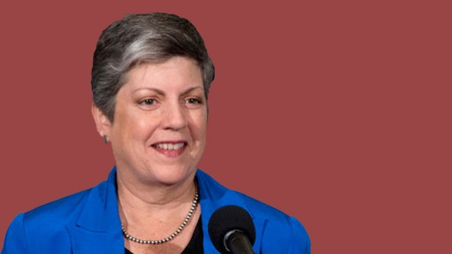 Le llueve dinero a Janet Napolitano