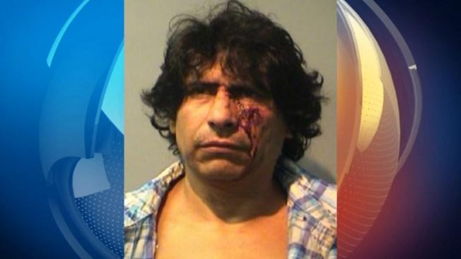 Arrestado por golpear hija contra el piso