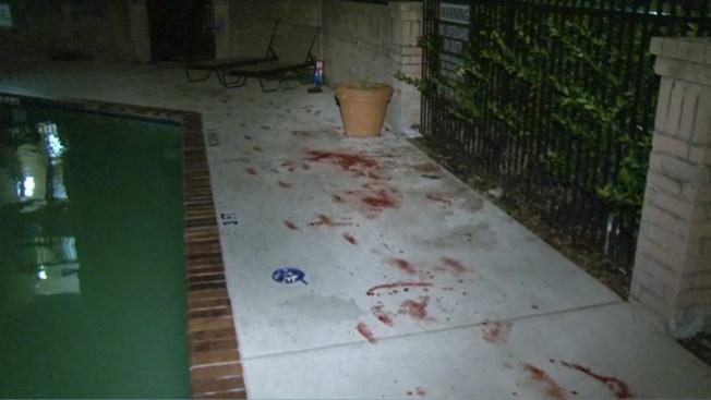 Pool party termina manchada de sangre