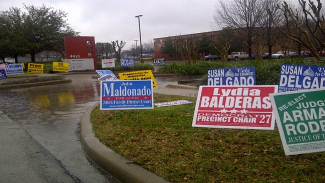 Frío y lluvia frena flujo de votantes