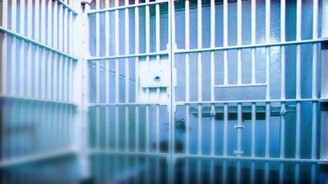 Cárcel para traficantes de inmigrantes