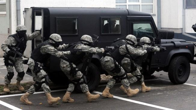 Hombre mantuvo en vilo al SWAT