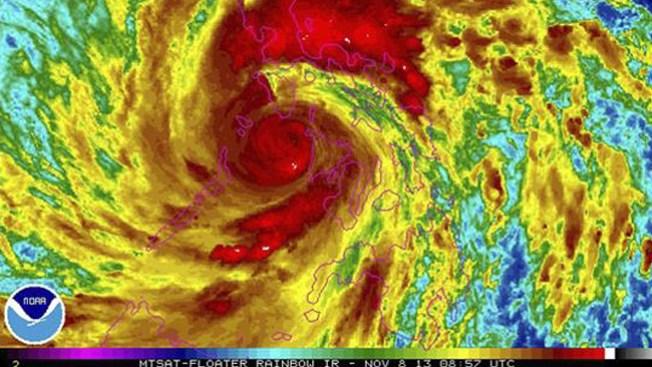 """""""Súper tifón"""" se torna mortal en Filipinas"""
