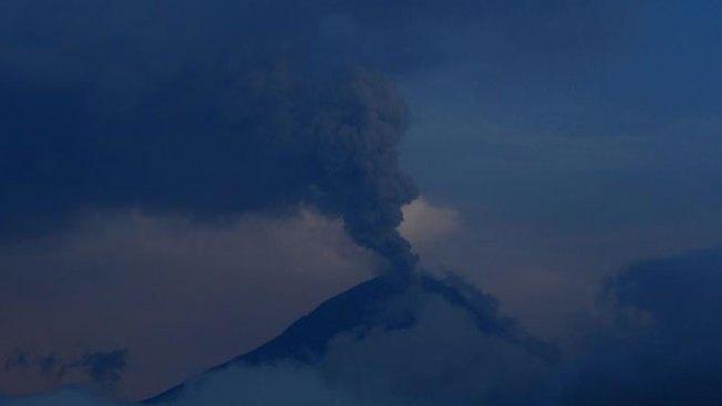 Hawái: lava de volcán sigue imparable