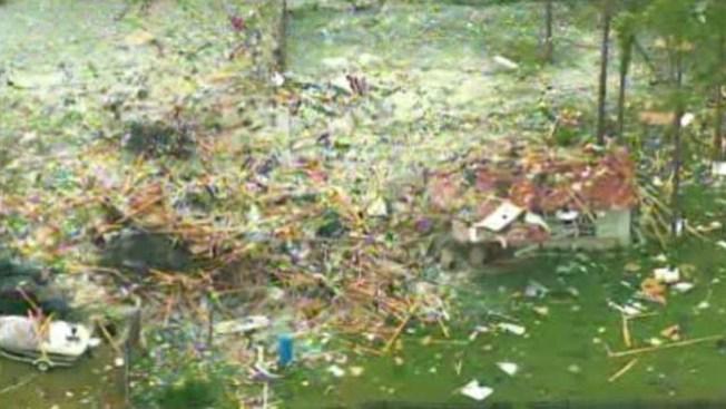 Explota casa en Willis en 1,000 pedazos