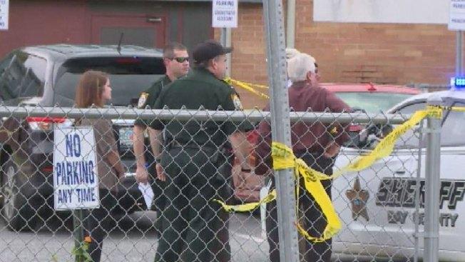 Policía: muere niña olvidada 8 horas en un auto