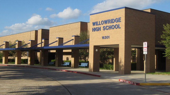 Reapertura de preparatoria Willowridge se aplaza hasta enero