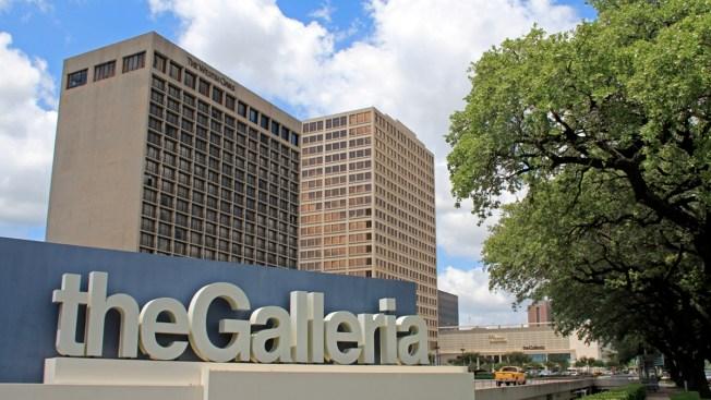 Investigan robo en tienda de centro comercial The Galleria