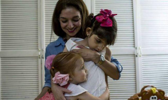 Una niña, primera mexicana en usar marihuana medicinal