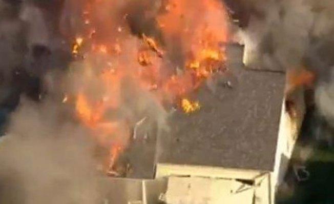 Brutal explosión de casa tras balacera