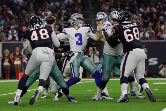 Texans cierran pretemporada con victoria sobre los Cowboys