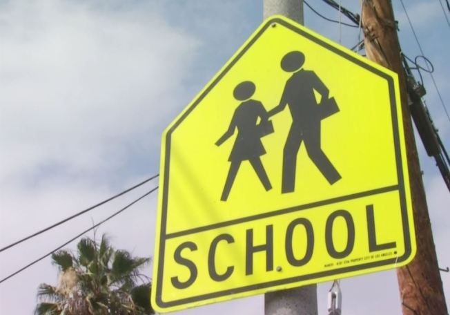 Culmina cierre de escuelas en Crosby tras balacera